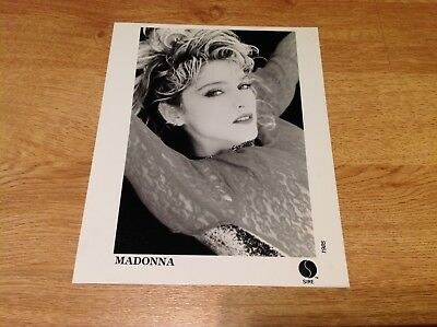 Madonna - Ultra RARE Sire UK 1985 ORIG PROMO PHOTO virgin tour POSE
