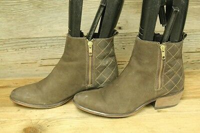 c3e3694af3d Steve Madden Nyrvana Womens Leather Stacked Heel Ankle Booties boots Sz 8.5  M