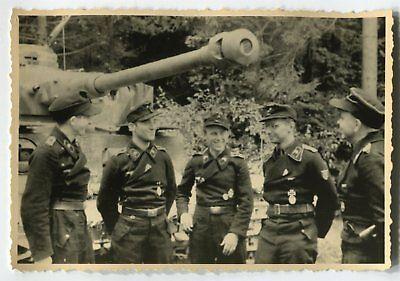 German Wwii Photo From Archive: Group Of Tankmen - Tank Crew