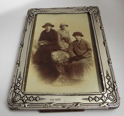 Lovely Genuine English Antique Edwardian 1915 Solid Sterling Silver Photo Frame