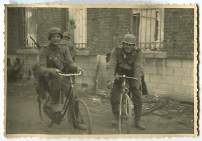 German Wwii Archive Photo: Wehrmacht Soldiers On M42 Truppenfahrrad Bicycles