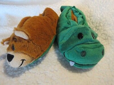ad38650862d Flip a Zoo Toddler Slippers Change From a Bear to Alligator Size Small 10-11