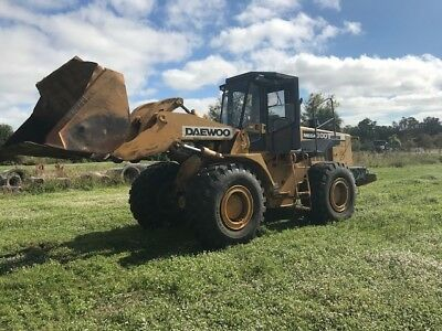 2002 DAEWOO MEGA 300 - III ** Wheel Loader ** 40,000 lb. Class ** FLORIDA **