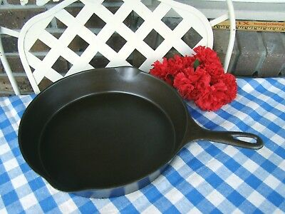 Wagner Ware Sidney -O- Cast Iron #10 Skillet – #1060 with Heat Ring