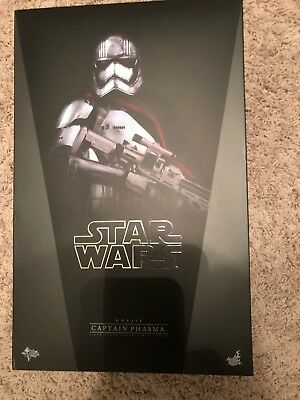 Hot Toys Star Wars Force Awaken Captain Phasma 1/6 Scale Figure MMS 328