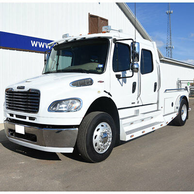 2009 FREIGHTLINER M2 Sportchassis M2 Sportchassis-- 2009 Sportchassis M2 Freightliner Crew Cab Hauler- 8.3L Cummins  Only 33K Miles