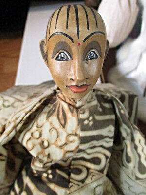Vintage Unique Hand Carved Painted Wooden Boneka Indonesia Doll and Box