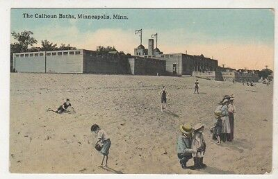 Vintage Postcard The Calhoun Batha, Minneapolis, Minn Shows The Sandy Beach