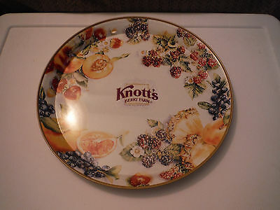 "KNOTT'S BERRY FARM TIN PLATTER TRAY COLLECTIBLE 12"" Diameter - RARE"
