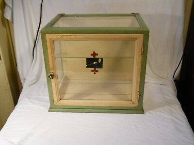 APOTHECARY Medical Medicine CABINET Wood glass Red Cross Wall ww1 ?