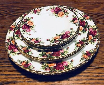 Royal Albert Old Country Roses Dinner Salad Dessert Plates England China 1962