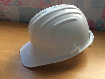 GP3000 DRAGO SAFETY HELMET 440 Vca White