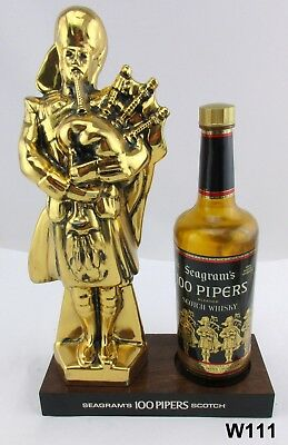 """Vtg Seagram's 100 Pipers Scotch Knight Bagpipes Back Bar Piece 15"""" Man Cave W49"""