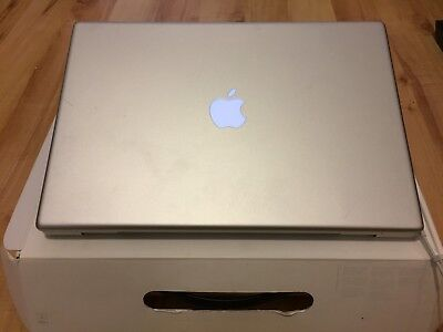 "Apple MacBook Pro 15"" 2,16 GHz Intel Core 2 Duo, Modell Late 2006, 80 GB HDD"