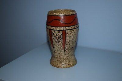 "A very rare Clarice Cliff 583 vase ""Goldstone Geometric"" pattern 1931"