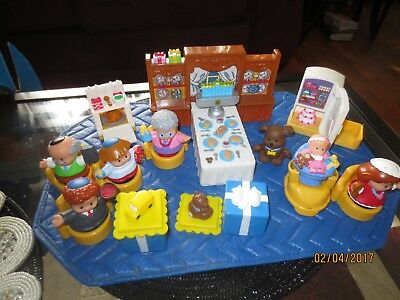 Fisher Price Little People Complete Hanukkah Set With Music Box