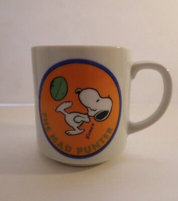 Vintage 1958 Snoopy THE MAD PUNTER Coffee Mug Cup United Feature Syndicate