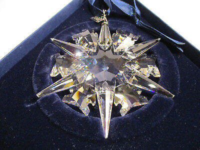 Swarovski Crystal 2002 Christmas Ornament Snowflake Star -  Mint, Box, COA