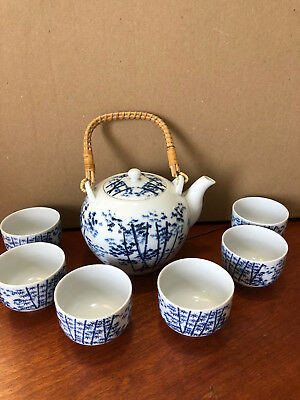 Japanese Teapot and handleless cups (6) - Blue on White Bamboo Pattern
