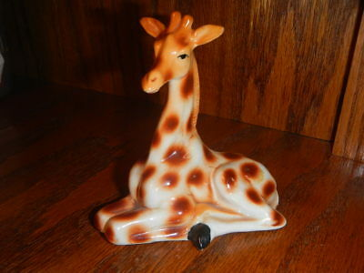Giraffe, Vintage Collectible Bone China Figurine Taiwan