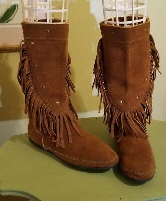 Minnetonka Moccasin Womens Fringe Vintage Style Boots ~ Size 10 ~ Brown Suede