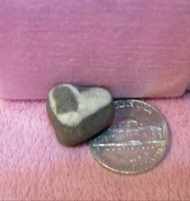 ADORABLE ~ HEART Shaped ON Beach Rock 100% Natural Formed ~ UNIQUE LOVE Gift