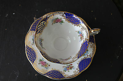 Gorgeous Royal Albert Teacup And Saucer - Empress Series - Isabella