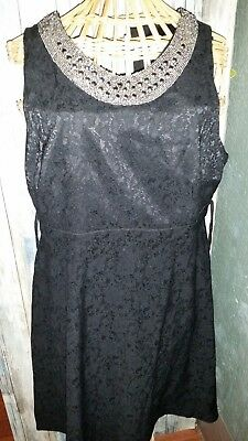A Pea in the Pod Black Floral Laced Design Embellished Beaded Dress Sz L Materni