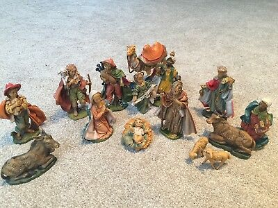 VINTAGE NATIVITY SET 15 Figures Detailed Painted Made In Italy Excellent