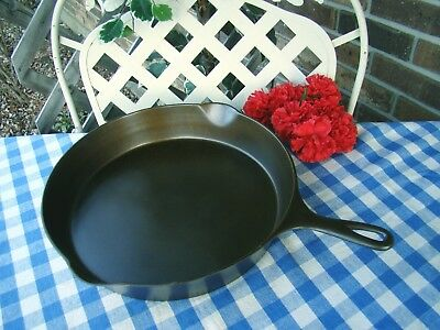 Wagner Ware Sidney -O- Cast Iron Skillet #12 with Heat Ring – Cleaned / Seasoned