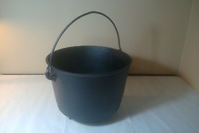 Antique O&P Co Cast Iron 3-Footed Gypsy Kettle Bean Pot Cauldron with Gate Mark