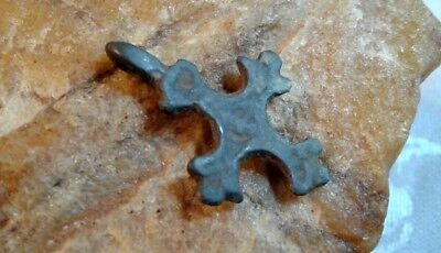"ANTIQUE c.12-15th CENTURY RUSSIAN ORTHODOX SMALL BRONZE CROSS ""FLEUR-DE-LIS"""