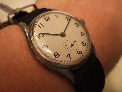 Men's Vintage SWISS MADE Military Style 15 Jewels Small Secs Hand Wind Watch!