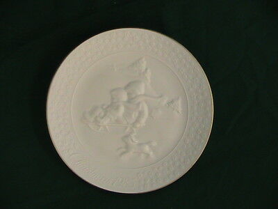 VINTAGE  CHRISTMAS COLLECTION PLATE 1985 A Child's Christmas Avon
