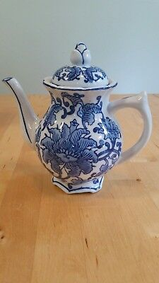 Vintage Seymour Mann China Blue Porcelain Teapot #7