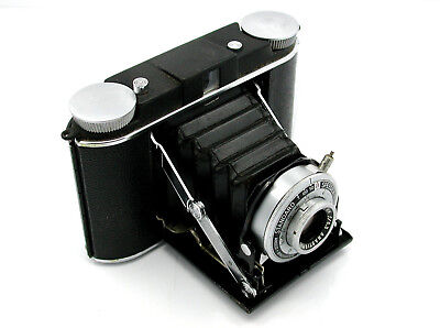 Circa 1950's Ansco, Standard Speedex Billows Camera with 90mm Lens And Case