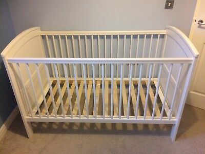 Mamas & Papas Cot bed White Solid Wood Very Sturdy Mattress & Next Sheets Incl.