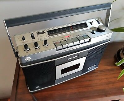 Vintage/Retro 1972 Sony CF-550a Stereo Radio AM/FM Cassette Player Boombox.Japan