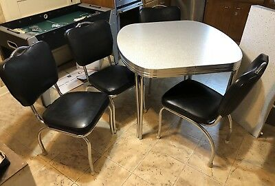 Vintage Dining Room Kitchen Table And Chairs — LOCAL PICK UP ONLY
