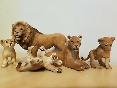 Schleich Retired 14373 Lion,14363 Lioness Walking,14377 3 CubS Playing,14364
