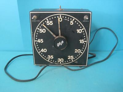 Awesome Vintage Gralab Model 300 Photography/Darkroom 60 Minute Timer Photo Lab