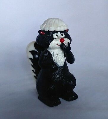 Kitschy Vintage Plastic Stinky SKUNK Shaker or Incense Holder