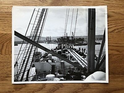 RMS Queen Mary Publicity Photo Arriving in Cherbourg / Cunard White Star