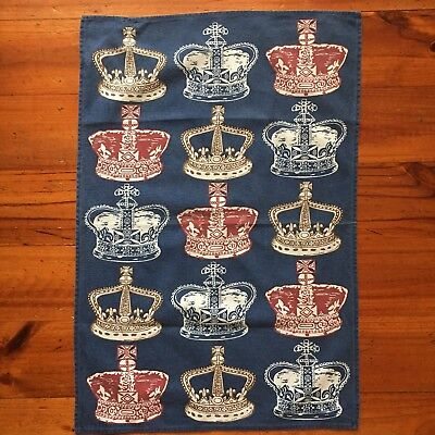 *reduced price**BRITISH ROYAL TEA TOWEL. 100% cotton. Lakeland -designed in UK.