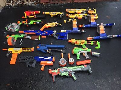 Lot of 17 Nerf Guns Huge Lot plus accessories (No ammo)