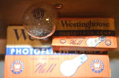 Westinghouse #11 Class M - 8 Flash Bulbs With 30,000 Light Lumens Output
