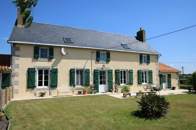 France:main House: 3 Gites: 9 En-Suite Bedrooms: Pool, Lake In 6 Acres: £360,000