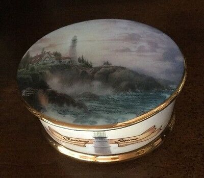 "Thomas Kinkade's ""clearing Storms"" Music Box ""Mint Condition"" !!!"