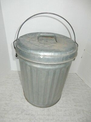 """Vintage  Galvanized Trash Can Garbage Pail 5 Gallon 13"""" With Lid"""