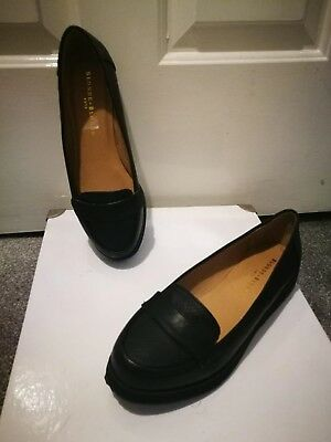 a pair of black Blond+blonde ladies shoes, size 5, comfort shoes